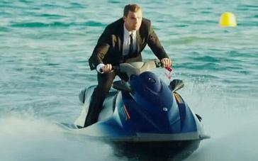 《玩命快递4》精彩片段 押送人驾驶摩托快艇追击