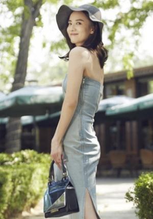 宋佳时尚街拍写真曝光 优雅露美腿女人味十足