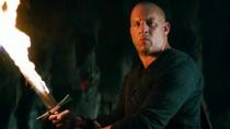 《最后的女巫猎人》中文预告 迪塞尔持火焰剑除魔