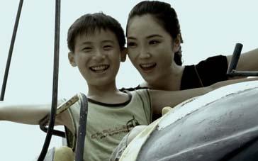 《妈妈让我再爱你一次》预告 少年承受丧母之痛