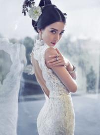 Angelababy古典婚纱照曝光 穿开衩裙性感妩媚
