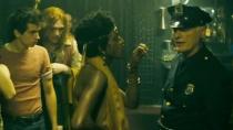 《石墙》精彩片段 同性恋集会嚣张挑衅警察遭逮捕