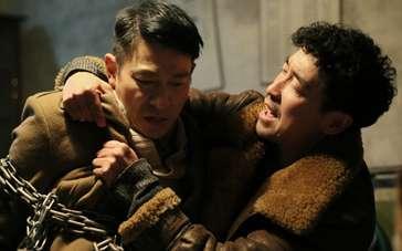 刑警亲身给刘烨做示范 王千源被摔蒙找感觉