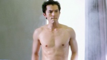 《浪漫天降》奇葩空姐版预告 邱泽秀出健美肌肉