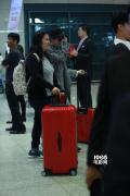 刘亦菲赴首尔为宋承宪庆生 侧颜迷人难掩甜蜜