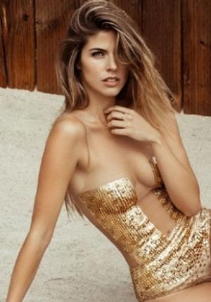 秘鲁美模斯蒂芬妮性感写真 大展酥胸尽显身材曲线