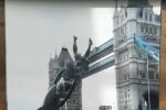 孙俪三次合影伦敦大桥 岁月流逝样子一直没变