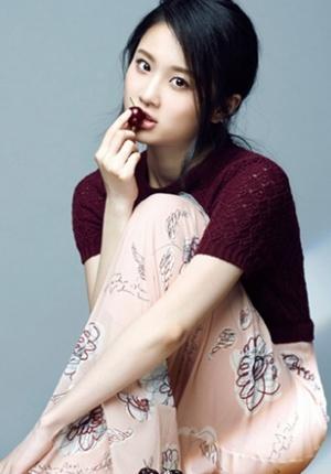 张慧雯写真大片曝光 肤若凝脂尽显少女青春魅力