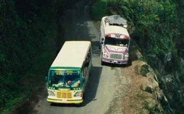 《危机大逆袭》精彩片段 桑德拉山路飙车老冤家