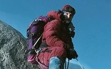 《绝命海拔》重磅终极预告 逼真特效还原真实雪崩