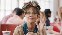 《你好,我叫多瑞斯》中文预告片 老妇人重返青春