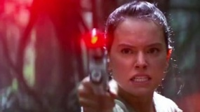 《星球大战7》中文宣传片 女主激光枪对阵反派
