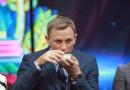 007丹尼尔录《天天向上》 品美酒捏糖人童心未泯