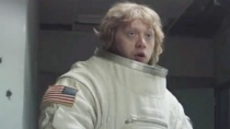 """《月行者》中文预告片 """"罗恩""""伪造太空科幻电影"""