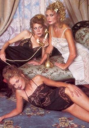 1979年的维密内衣大片 看老牌超模演绎柔美性感