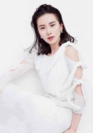 女神刘诗诗时尚写真冷艳十足 气质高雅妩媚动人