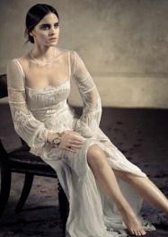 艾玛·沃特森复古写真性感冷艳 湿身诱惑显成熟