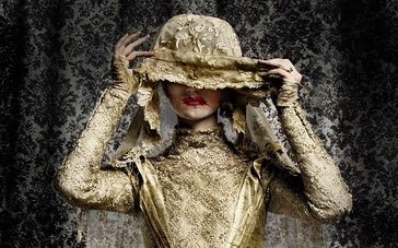 《神探夏洛克》圣诞篇预告 花生遇白衣女鬼陷危机