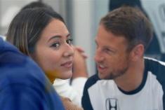 日本名模和F1选手老公离婚 上亿身家分配引关注