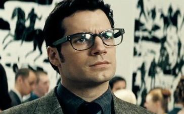《蝙蝠侠大战超人》中文宣传片 克拉克与韦恩相见