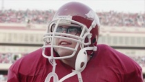 《伟大的青春》中文预告 橄榄球员的大学奋斗史