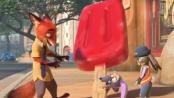 《疯狂动物城》中文版预告 狐狸骗取原料制造冰棍