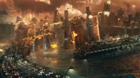 《独立日2》超级碗宣传片 外星战舰再来袭毁地球