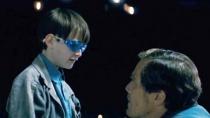 《午夜逃亡》精彩片段 超能小孩引关注家长不安