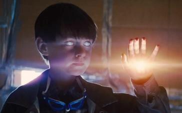 《午夜逃亡》新版预告片 少年神力莫测引世界慌乱