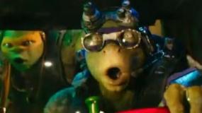 《忍者神龟2》新片段 神龟开车追反派各显神通