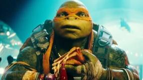 《忍者神龟2》预告前瞻 米开朗基罗披萨吃相滑稽