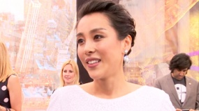 女星吴靖萱《忍者神龟2》首映红毯大秀英文