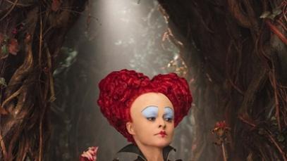 《爱丽丝2》:视效华丽升级 斯内普献银幕遗作