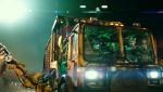 《忍者神龟2》片段 米基耍双节棍功夫出糗