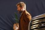 《金刚狼3》不久前刚刚曝光了该集定名为《金刚狼3:罗根》,日前紧接着便曝光了两张剧照。