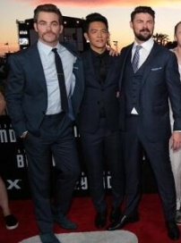 《星际迷航3》北美首映 企业号主力成员齐亮相