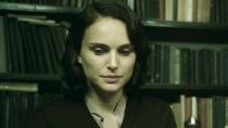 《爱与黑暗的故事》中文片段 波特曼晚餐心事重重