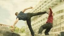 《搏击之王》片段 功夫高手泰国街头躲避追杀