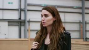 《乌娜》曝光首支片段 鲁妮·玛拉约见老相识