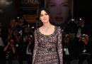 《银河漫漫路》威尼斯首映:贝鲁奇透视裙妩媚迷人