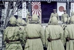 电影《何去何从》今日发布定档海报,此次发布的定档海报以冷灰色调为主,营造了硝烟弥漫的战事氛围。本片以一个普通日本士兵的视角进行叙述,展现了其对于命运的无奈和抗争,揭示了战争对人性的摧残。该片将于10月28日登陆全国影院,正式与观众见面。
