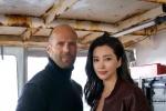 《巨齿鲨》首曝工作照 李冰冰演科学家搭档斯坦森