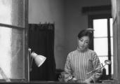 殷桃《不成问题》全球首映 悲悯演绎中国式聪明