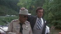 《警察与卡车强盗》预告片