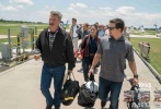 电影《深海浩劫》已经正式定档11月15日,该片取材于真实事件,生动地将美国历史上最严重的石油泄漏案件展现在银幕上。其中男主角由《变形金刚4》、《偷天换日》、《泰迪熊》的男主马克·沃尔伯格出演。他挑战以往或颓废或喜剧的荧幕形象,用自己独特的方式演绎了一个平凡人的英雄事迹。