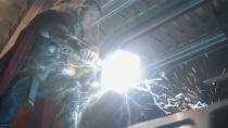 《复仇者联盟2》删减片段 雷神放出幻世被狂虐