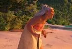 """继《疯狂动物城》后,本年度迪士尼动画的压轴力作《海洋奇缘》将于11月25日中美同步上映。这是迪士尼动画工作室出品的第56部动画长片,讲述了一位充满冒险精神的少女莫阿娜为拯救她的族人扬帆远航的故事。这部被外媒评价为""""代表了迪士尼现今最高水准""""的电影延续了过往迪士尼动画的强势阵容,拥有""""迪士尼水准之上的娱乐性+精心打造的人物形象+先进技术"""",实力不容小觑。"""