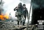 """屠榜北美口碑的梅尔·吉布森最新战争巨制《血战钢锯岭》自宣布国内定档12月8日以来,引发业内外一片欢呼。据最新消息,这部在北美被定为R级,被誉为呈现""""继《拯救大兵瑞恩》后最震撼的战争场面""""的影片,""""将较完整地呈现在内地观众面前"""",无疑令其成为年底最具期待值的大片。日前,影片曝光一支""""炼狱""""版预告片,惨烈、震撼的战争场面可窥见一斑,""""蜘蛛侠""""安德鲁·加菲尔德同战友生死与共,战火纷飞中情深似海令人泪目。"""