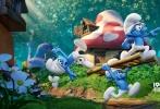 """由曾执导《怪物史莱克2》的凯利·阿斯博瑞导演,由史黛丝·哈曼、帕梅拉·里本编剧的《Smurfs: The Lost Village》(《蓝精灵:失落的村庄》暂译)以3D纯CG动画方式全新卖萌归来。今日,""""萌闯丛林""""版预告片全球同步首发,顽皮搞怪的蓝精灵们展开一场兴奋刺激的神秘森林探险,即使遭遇各样危机,这群小家伙们依然卖萌搞怪喜感十足,令人重回纯真童年时代。据悉,该片初定于2017年3月31日北美公映。"""
