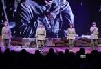 11月27日,革命战争片《血战湘江》在京举行首映礼。影片由陈力执导,保剑锋、张一山、耿乐、王大治等人主演,讲述了82年前红军在湘江战役中付出巨大牺牲的悲壮故事。